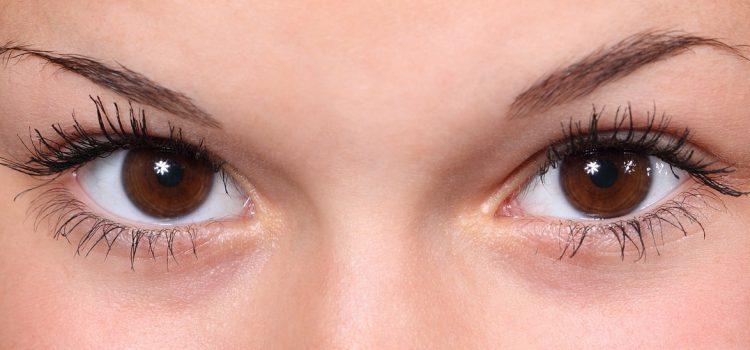О чем говорят темные круги под глазами, рассказала врач-иммунолог, аллерголог, гематолог и кандидат медицинских наук Ксения Бочарова.