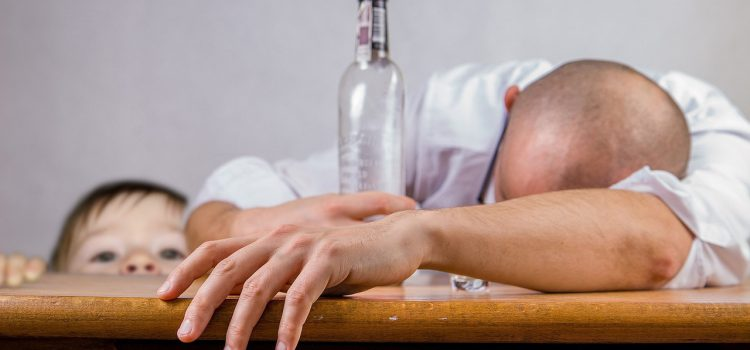Согласно статистическим данным, каждый третий россиянин злоупотребляет алкоголем.